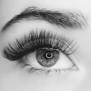blandford-cosmetic-clinic-eyelash-extension-russian-style-beauty