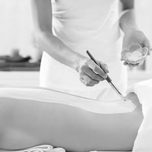 blandford-cosmetic-clinic-back-cleansing-massage