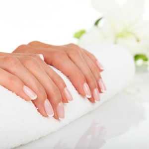 blandford-cosmetic-clinic-manicure-deluxe